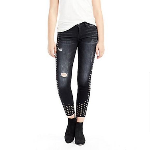 9995b7cb9 True Religion Halle Mid Rise super Skinny Jean